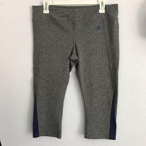 The North Face L grey Capri leggings